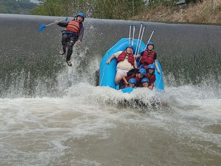 Raftingpro Rafting bogor cisadane with DavisFam1